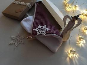 Úžitkový textil - Giving Tuesday - uteráčik pre ... (farba bordová pre Dominiku) - 11380537_
