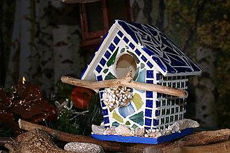 Dekorácie - Vtáčia búdka s mozaikou a sklenenou strechou - 11381193_
