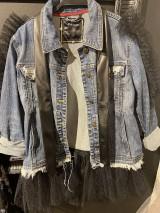 Kabáty - Denimová bunda s tylom a eko-kožou - 11378129_