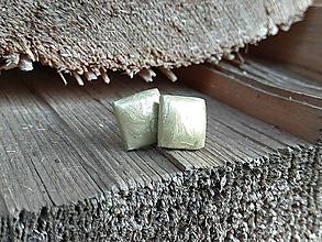 Náušnice - Štvorčeky 10 mm (zelené) - 11381837_