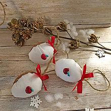 Dekorácie - Vianočný oriešok - Jabĺčko pre Marušku (biele) - 11385482_