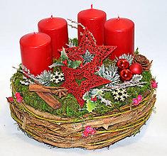 Dekorácie - Adventný veniec s hviezdami - 11382543_