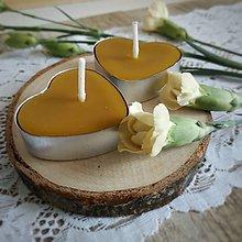 Svietidlá a sviečky - Čajové sviečky z včelieho vosku v tvare srdca 1ks - 11386665_