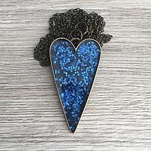 Náhrdelníky - Živicový náhrdelník srdiečko modré - 11386569_