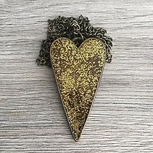 Náhrdelníky - Živicový náhrdelník srdce zlaté - 11386737_