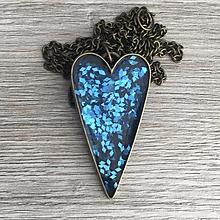 Náhrdelníky - Živicový náhrdelník srdce modré - 11386837_