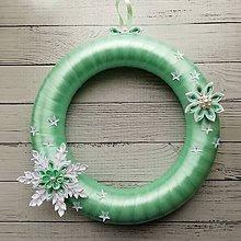 Dekorácie - Vianočný venček na dvere s vločkou - 11387178_
