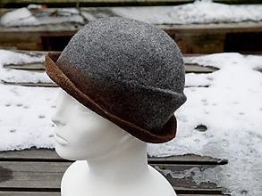 Čiapky - Elegantný šedý vlnený dámsky klobúk - 11386607_