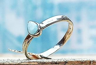 Prstene - Strieborný prsteň Ag 925/1000 s prírodným larimarom slza - 11385898_