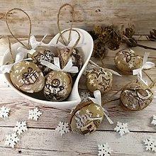 Dekorácie - Vianočný oriešok - Maľované (béžové) - 11385595_