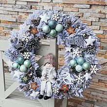 Dekorácie - Zasnezeny vianocny veniec Svietiaci - 11385864_
