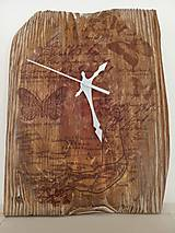 Hodiny - Drevené hodiny zo smrekoveho dreva - 11385762_