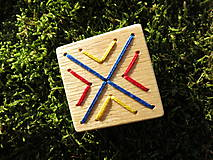 Odznaky/Brošne - WoBo drevená brošňa folklór - 11388219_