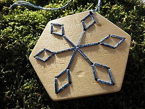 Dekorácie - WoBo drevená dekorácia vločka - 11388192_