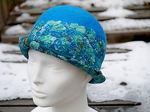 Čiapky - Farebný dámsky vlnený klobúk - 11388444_