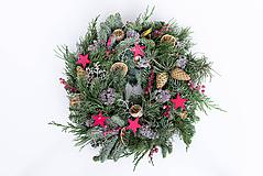 Dekorácie - Prírodný vianočný veniec na dvere - 11390546_