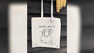 Iné tašky - ♥ Plátená, ručne vyšívaná taška ♥ - 11389887_