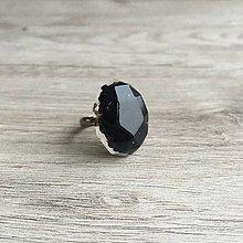 Prstene - Živicový prsteň čierny ovál - 11394255_