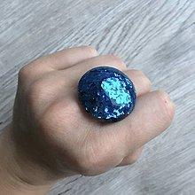 Prstene - Živicový prsteň modrý kruh - 11394321_