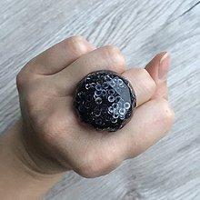 Prstene - Živicový prsteň čierny kruh - 11394324_