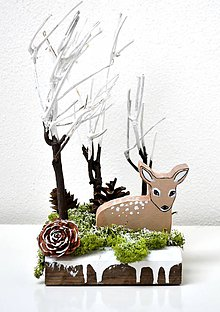 Dekorácie - Zimná dekorácia-V objatí zimného lesa - 11391290_
