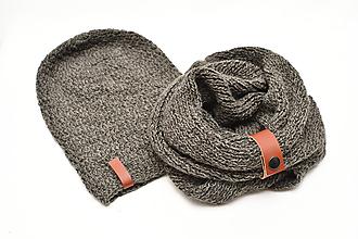 Detské súpravy - Detský set pletený nákrčník s koženým remienkom a čiapkou - 11392189_