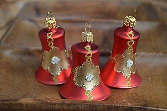 Dekorácie - Červeno-zlaté zvončeky - 11394290_
