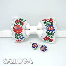 Doplnky - Folklórny biely pánsky motýlik + náušnice - 11391579_