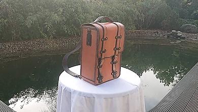 Batohy - Ručne šitý kožený batoh/brašňa - 11393201_