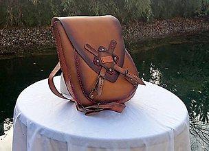 Batohy - Ručne šitý kožený batoh - 11393326_