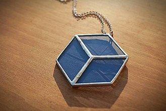 Náhrdelníky - Vitraj modrá kocka - 11392879_