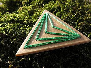 Odznaky/Brošne - WoBo drevená brošňa zelená - 11393604_