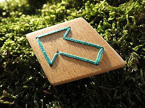 Odznaky/Brošne - WoBo brošňa šípka - 11393700_
