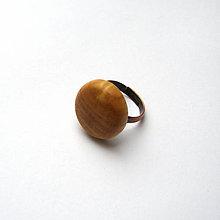 Prstene - Prsteň s dreveným očkom - jaseňový vypuklý - 11391179_