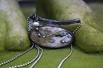 Náhrdelníky - Cínovaný prívesok s krajkovým achátom - Súzvuk - 11397246_