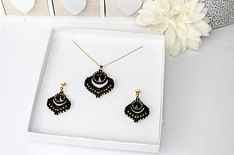 Náhrdelníky - šitý náhrdelník  ALADINOVA CESTA (čierna,zlata - Ag925) - 11394600_