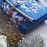 Kabelky - Kabelka DINKY bag - modrá s potlačou maľovaných kvetov - 11396524_