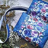 Kabelky - Kabelka DINKY bag - modrá s potlačou maľovaných kvetov - 11396530_