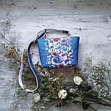 Kabelky - Kabelka DINKY bag - modrá s potlačou maľovaných kvetov - 11396532_