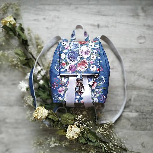 CANDY backpack - modrá s potlačou maľovaných kvetov