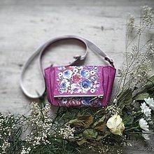 Kabelky - Kabelka CUTE bag - ružová s potlačou maľovaných kvetov - 11396541_