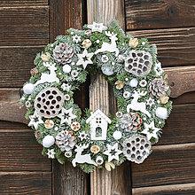 Dekorácie - Vianočný veniec na dvere (30 cm - živá čečina) - 11394549_