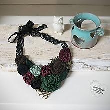 Náhrdelníky - ART látkový náhrdelník 13 - ruže, hnedá, bordová, zelená, bronz - 11397053_