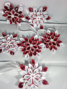 Dekorácie - Červenobielé vločky na stromček - 11397711_