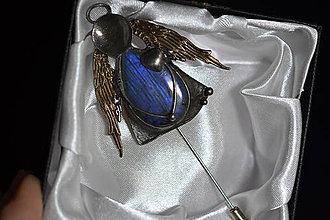Odznaky/Brošne - andělka se srdíčkem - 11395680_