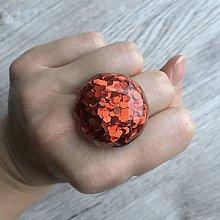 Prstene - Živicový prsteň červený kruh - 11399221_