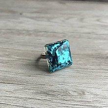 Prstene - Živicový prsteň tyrkysová kocka - 11399706_