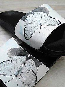 Obuv - Maľované šľapky, biely motýľ - 11398717_