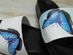 Obuv - Maľované šľapky, modrý motýľ - 11398745_