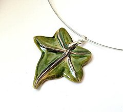 Náhrdelníky - Keramický šperk - Brečtan - 11399985_